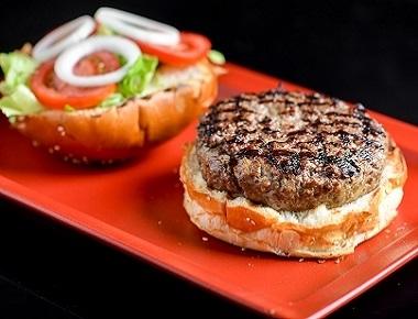 ארוחת המבורגר, המבורגר 160 גר' + צ'יפס.