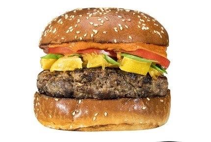 המבורגר דיאנא בקר וטלה, 250 גרם בשילוב של בשר בקר טרי ובשר טלה איכותי. מוגש עם רוטב איולי, עגבניה, לימון כבוש ובצל ירוק בלחמנייה ביתית.