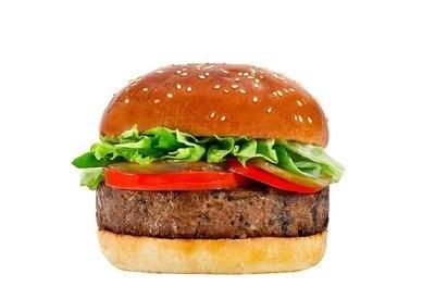 המבורגר פטריות צמחוני (טבעוני), המבורגר 180 גרם עסיסי עשוי מפטריות שמפיניון ופורטבלו טריות, עם תערובת סויה המספקת מנת חלבון מלא, בדיוק כמו ההמבורגר שלנו. מוגש עם חסה, עגבניה, בצל ומלפפון חמוץ בלחמנייה ביתית. *טבעוני