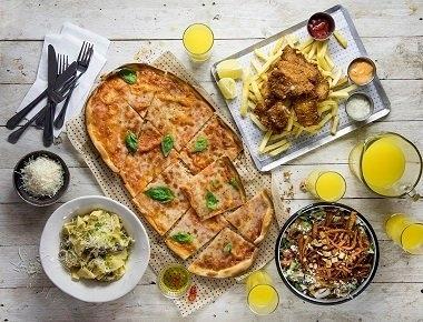 ארוחה משפחתית, פסטה ספגטי / פנה ברוטב לבחירה + סלט / אורגנטו + פיצה מרגריטה + פיש אנד צ'יפס.