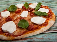 פיצה משפחתית + 2 תוספות לבחירה