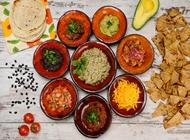 ארוחה אמיגוס בהרכבה גדולה (מתאימה ל4-6 סועדים) - 24 טורטיות קטנות מקסיקנה גריל סינימה סיטי ראשון לציון