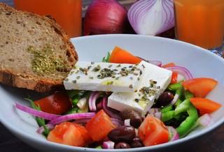 עסקית סלט יווני המטבחון