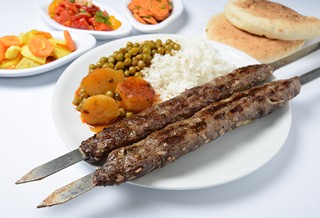שיפוד קבב בחמגשית מפגש גרונר רמת גן