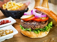 ארוחת המבורגר נורמל ברביס אילת