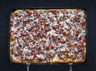 Pepperoni Pizza Tony Vespa TLV