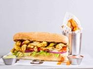 סנדוויץ פילה עוף בקארי מסעדת BSR רעננה
