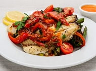דג פילה אמנון אפוי בפלפלים עגבניות ושום טרי דליקטבע רמת גן - 100 אחוז בריאות - כשר