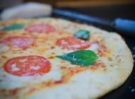 2 פיצות משפחתיות + 2 לחם שום + תוספת או קולה   פיצה שופ נתניה