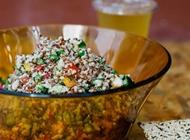 ארוחת סלט קינואה אורגנית גוטה בריא ומהיר רמת החייל