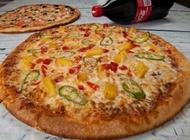 מבצע 2 מגשי פיצה L משפחתיים + תוספות פיצה בריבוע פתח תקווה מזרח