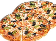 פיצה משפחתית מיוחדת + פיצה משפחתית רגילה פיצה פרגו רחובות