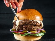ארוחת המבורגר 110 גרם קפטן בורגר ירושלים