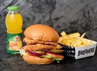 ארוחת קריספי צ'יקן כפול בראדרס בורגר קרית אונו Brothers Local Burger