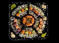 מגש דגים ופירות ים קטן - 70 יחידות סושי בר בזל רמת השרון