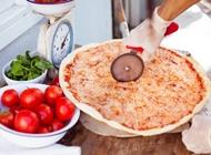 2 מגשים משפחתיים L רגילים פיצה עגבניה אשקלון גלובוס סנטר מבקיעים