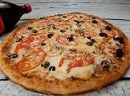 מבצע מגש פיצה L משפחתי + תוספת + שתייה 1.5 ליטר פיצה בריבוע רמת השרון