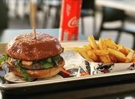 המבורגר אנטריקוט 220 גרם ג'וני קריספי חולון