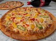 מבצע מגש פיצה XL ענקי + תוספת + שתייה 1.5 פיצה בריבוע רמת השרון