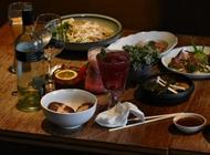 ארוחה תאילנדית משפחתית Tiger Lilly טייגר לילי מתחם שרונה