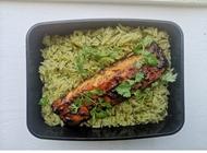דג סלמון במיסו ואורז ירוק המרפסת פרדס חנה כרכור